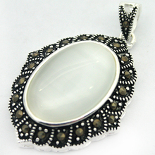 VINTAGE 925 STERLING SILVER NATURAL CLEAT WHITE OAPL STONE MARCASITE PENDANT(China)