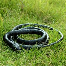 1pc 52inchs Realistic Soft Rubber Toy Snake Safari Garden Props Joke Prank Gift About 130cm Novelty and Gag Playing Jokes Toys
