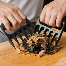 Gift Facemile 1Pair Black Grizzly Bear Paws Claws Meat Handler Fork Tongs Lift Shred Pork Barbecue Grilling Tool 52101