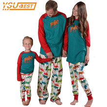 2017 Family Christmas Sets Family Matching Clothes Pajamas Fashion Father Son Mon New Year Family Look Sets Mother Daughter(China)