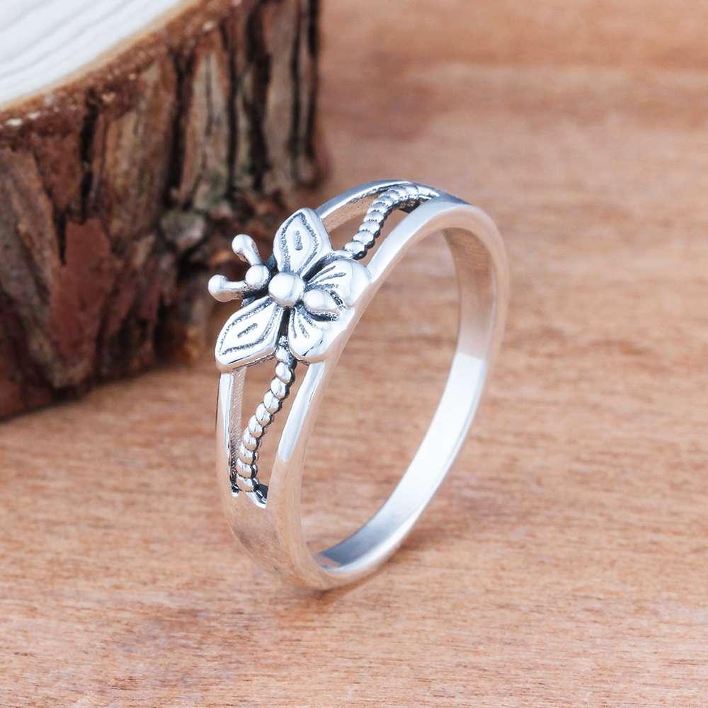 خاتم فضة بفراشة صغيرة 2