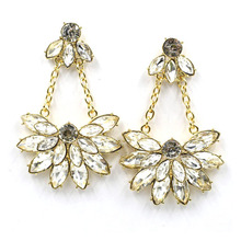 2017 New super cute shining gleaming fashion HOT daisy crystal big flower nice Earrings for women girl party Factory Price gift