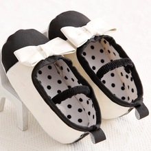 Classic Black And White Baby Shoes Butterfly-knot Kids Infant Soft Anti Slip First Walkers Toddler Baby Shoes Supplier Shoes