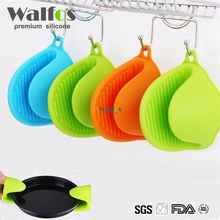 WALFOS food grade 1 piece Heat Resistant Silicone Oven Mitt Cooking Pinch Grips Skid Silicone Pot Holder