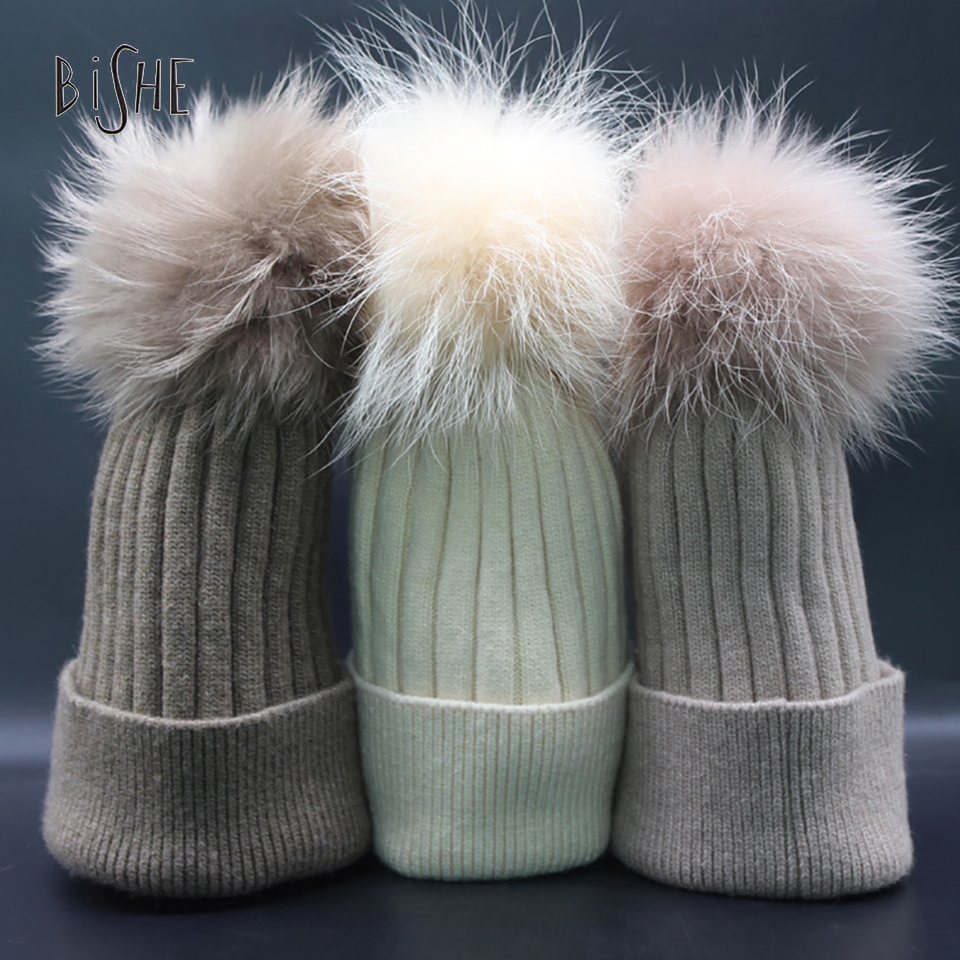 Hats For Women Fashion Beanies 2017 Casual Cap With A Pompon Ball Winter Female Fur Pom Poms Black Red White Womens HatОдежда и ак�е��уары<br><br><br>Aliexpress