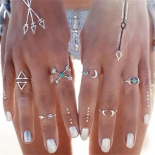 NJ24 Bohemian Style 6 UNIDS / SET Folk-custom Finger Rings For Women Europe and America Trendy Loose Arrow Moonstone Rings