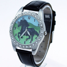 Brand New Popular Mixed 10pcs Black Horse Animal Watch Quartz Crystal Wristwatch Gift L18T(China)