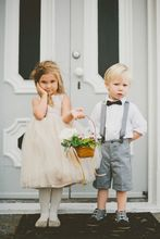 New 2016 Summer Beach Gray Boys Wedding Clothes White Shirt + Short Pants + Bow Nicely Kids Tuxedo Suits Cute Formal Clothing