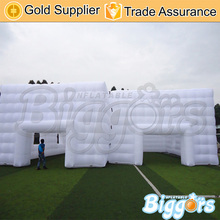Pure white inflatable pvc advertising play house tent for commercial use