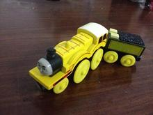 Thomas and His Friends -2PCS Yellow Molly and His tender Magnetic Wooden Trains Model Great Kids Toys Gifts for Children