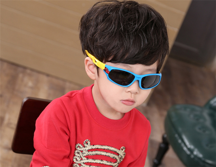 Rubber-Polarized-Sunglasses-Kids-Candy-Color-Flexible-Boys-Girls-Sun-Glasses-Safe-Quality-Eyewear-Oculos (8)