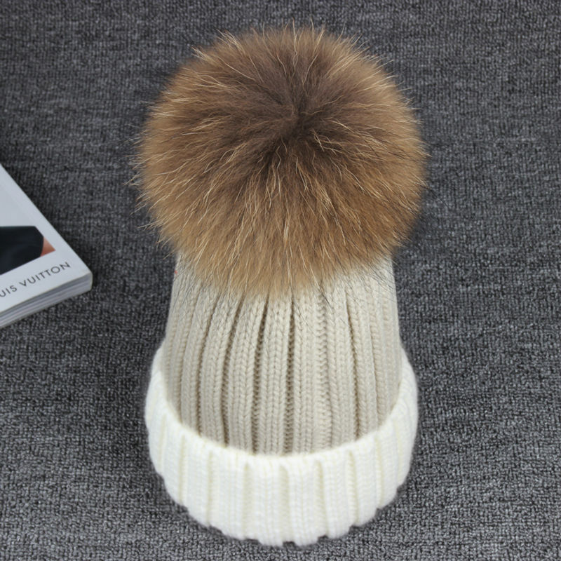 New 13CM 100% Real Raccoon Fur Hat Female Pompon Fur Hats Mix Color Casual Warm Women Winter Knitted Skullies BeaniesОдежда и ак�е��уары<br><br><br>Aliexpress