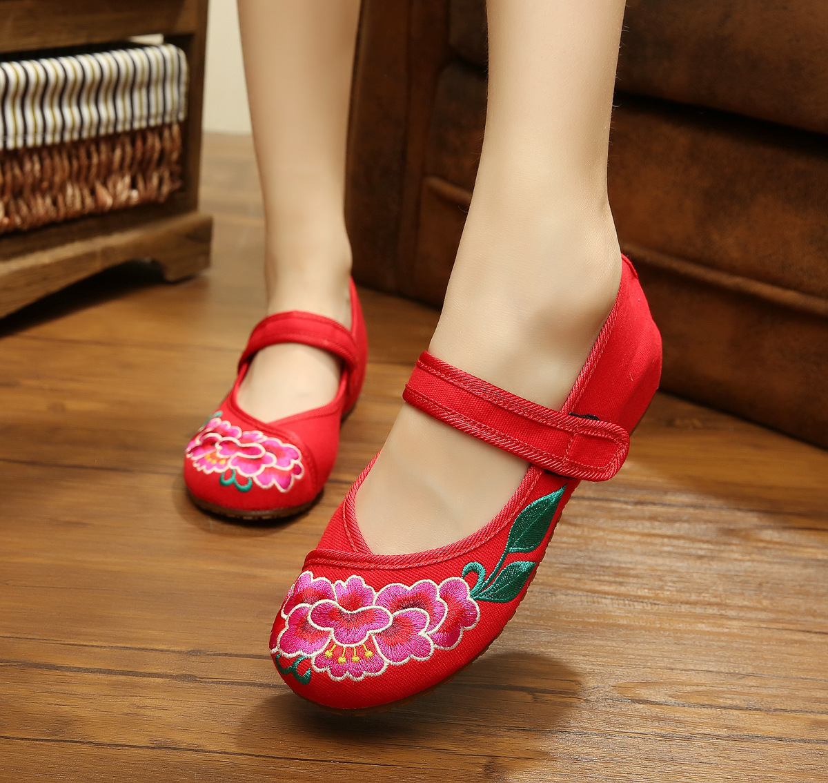 Black Sexy Peony Embroidery WomenS Flats Cow Muscle And Soft Bottom Casual Walking Comfort Shoes,Dance Shoes SMYXHX-10142<br><br>Aliexpress