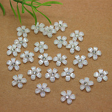100pcs 10mm cute white resin flower with rhinestone flatback cabochon for DIY phone,nail art decoration(China)