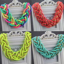 2015 New Fashion Women Short  Multicolor Necklace Handmade Crochet Chunky Collar Chokers Necklaces Statement Jewelry XLL112