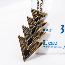 4 Sizes Metallic Triangle Connecting Pink Blue Black Pendant Vintage Bronze Necklace for Women Around  54 cm