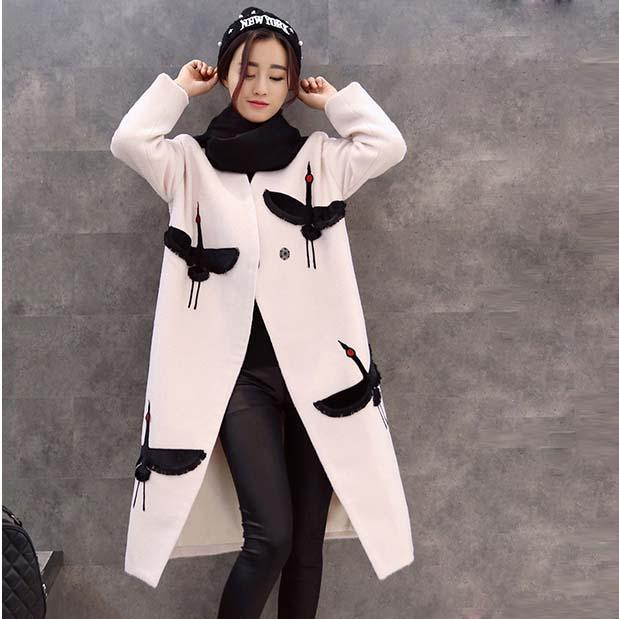 2016 new Winter Temperament Woollen coat Embroidery Woolen big size white color fashion Tide clothes