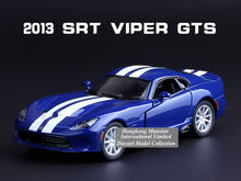 1:36 Scale Alloy Metal Diecast Car Model For 2013 DODGE SRT Viper GTS Collection Model Pull Back Toys Racing Car