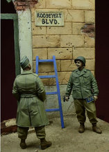 Free Shipping 1/35 Scale Unpainted Resin Figure WW2 U.S Officer and Soldier (just 2 figures)