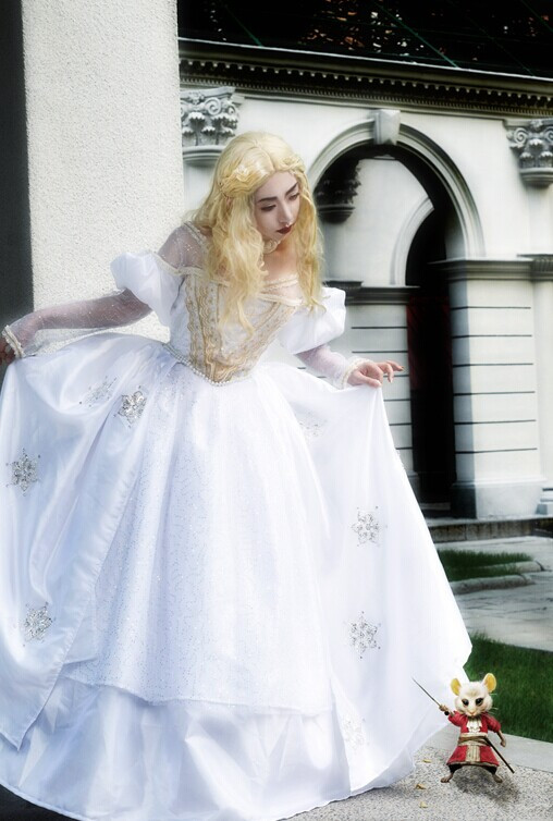 Alice in Wonderland The White Queen Cosplay Costume (1)