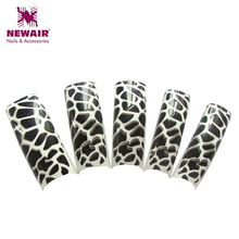 70 pcs Hot White and Black Zebra French Airbrush Long False Nail Art Tips Pre Design Professional Tips Acrylic Fake Nail Tips