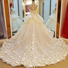 Luxury Glamourous Ball Gown Flowers Lace Beaded Pearls Wedding Dresses 2017 Royal Church Long Bridal Gown vestido de noiva XW234