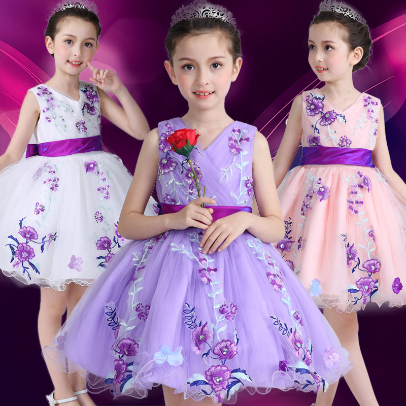 2018 spring and summer new fashion beautiful embroidery V-neck sweet princess clothing year-end dresses for girl 4T 5T 6T 7T 8T<br>