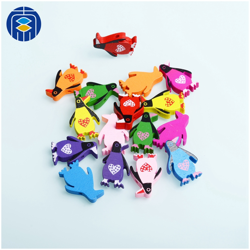 Wooden Animal Shape Beads Wholesale Mixed color Lead-free Wooden Pendant Charm Bead for DIY
