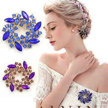 Beautiful Colorful Crystal Rhinestones Fashion Garland Flower Brooch Pins for Lady in assorted