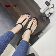 2017 New Europe Fashion Summer Simple Sandals lady T-shaped Flat Sandals Toe Sandals Jelly Sandals Woman Beach Shoes