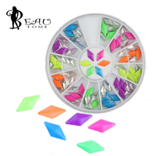 2016 4 * 8mm Diamond Fluorescent Japanese Nail DIY Jewelry Metal Rivets Nest Nail / Rivet Nail Patch for Nail Art Decorations