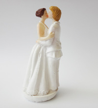 Romantic White Marriage Polyresin Figurine Wedding Cake Toppers Resin Decor Lover Couples Gift(China)