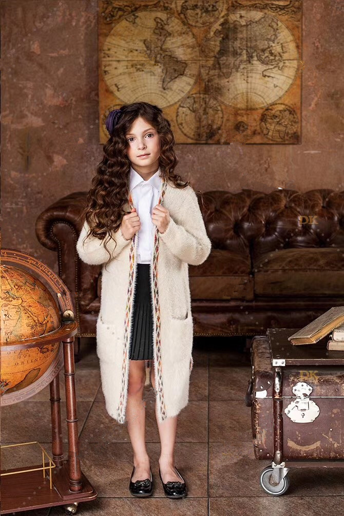 girl  Soft and exquisite atmosphere retro knitted cardigan Long sweater<br>