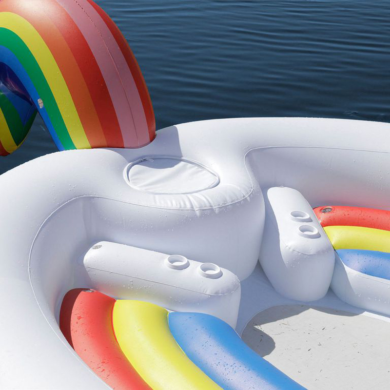 pool-float-unicorn-drinks-1520603241