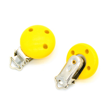 5pcs/lot Wooden Baby Children Yellow Pacifier Holder Clip Infant Cute Round Nipple Clasps For Baby Product 3 Hole 4.4cm x 2.9cm(China)