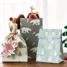 3 pcs/set 21*18cm Christmas forest concert Paper bag Best Gift Bags with Sticker for Christmas Party Candy Food Packaging bags