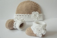 free shipping,Crochet baby booties and hat set,baby shoes, boots,socks,beanie, tan, white,flowers,baby shower gift