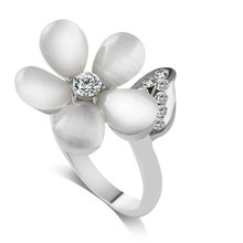 F&U New Arrival Product Trendy Unique Opal Flower Design Clear Zircon Crystal Silver Color Fashion Ring