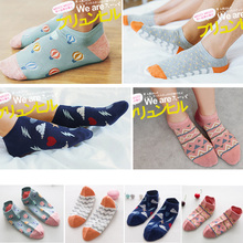 Foot 22-27cm Couple Socks Unisex Lover Clouds Chick Umbrella Stripes Orange Robot Bananas Balloon Coconut Tree Flash Sector Fans(China)