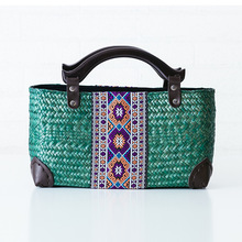 The new Thai version of the seaweed weaving package retro bag fashion ladies holiday beach package hand-woven bag hand bag