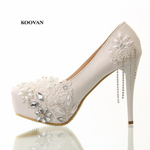 Koovan 2017 New Fashion Diamond High Heels Shoes Fine With White Flowers Fringed Leather Women Wedding Bridal Shoes Women Pumps(China)