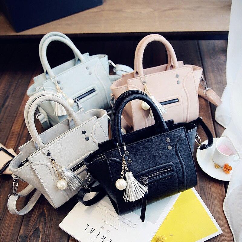 New Famous Designer Brand Luxury Women Leather Handbags Fashion Smile Face Tote Quality Trapeze Smiley Clutches Bolsa Feminina<br>