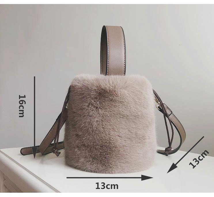 Faux Fur Bag Women 2018 Winter New Cylinder Bucket Bag Vintage ... 724117780e8d2