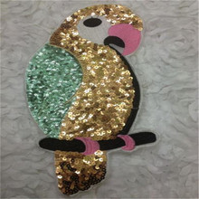 Clothes patch Apparel Sewing & Fabric cute Parrot Gold logo, Fashion animal sequins patches for clothing home DIY free shipping(China)