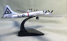 1:144  WWII  B-29  Superfortress  Heavy Bombers ATLAS model