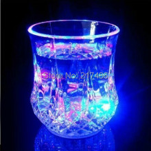 Free Shipping Creative Colorful Water Glass flash cups LED Luminous pineapple cup for Bars discos leisure parties dating gifts