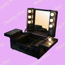 2014 Fashionable Aluminum makeup case with lights, mirror, trolley, stand, aluminum cosmetic studio with lights and 4 legs(China)