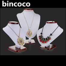 bincoco hot selling fashion jewelry display leather shelf display stand Show Pedestal Jewelry Chain Holder BustIndustry Science(China)