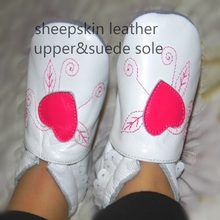 Guaranteed 100% soft soled Genuine Leather baby shoes /Deep pink Heart(China)