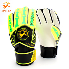 2016 Soccer Goalkeeper Gloves Kids Thick Latex Football Goalkeeper Gloves Professional Students Sport Protection Gloves For Kids